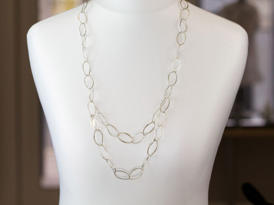 STERLING SILVER LOOPS | Long necklace with a brushed surface (Sold out)