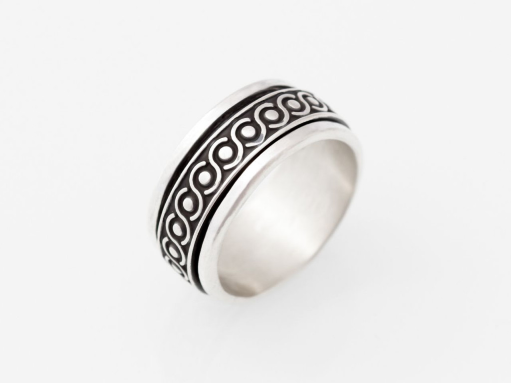 Mayan| Sterling Silver  Spinning Ring with vintage blackened celtic pattern