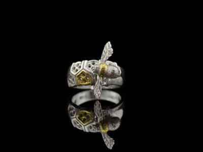 BEE MY LITTLE BABY | Sterling Silver ring with Gold details