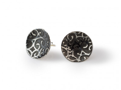 CONCAVE ORNAMENTS | Sterling Silver ear studs with flower patterns