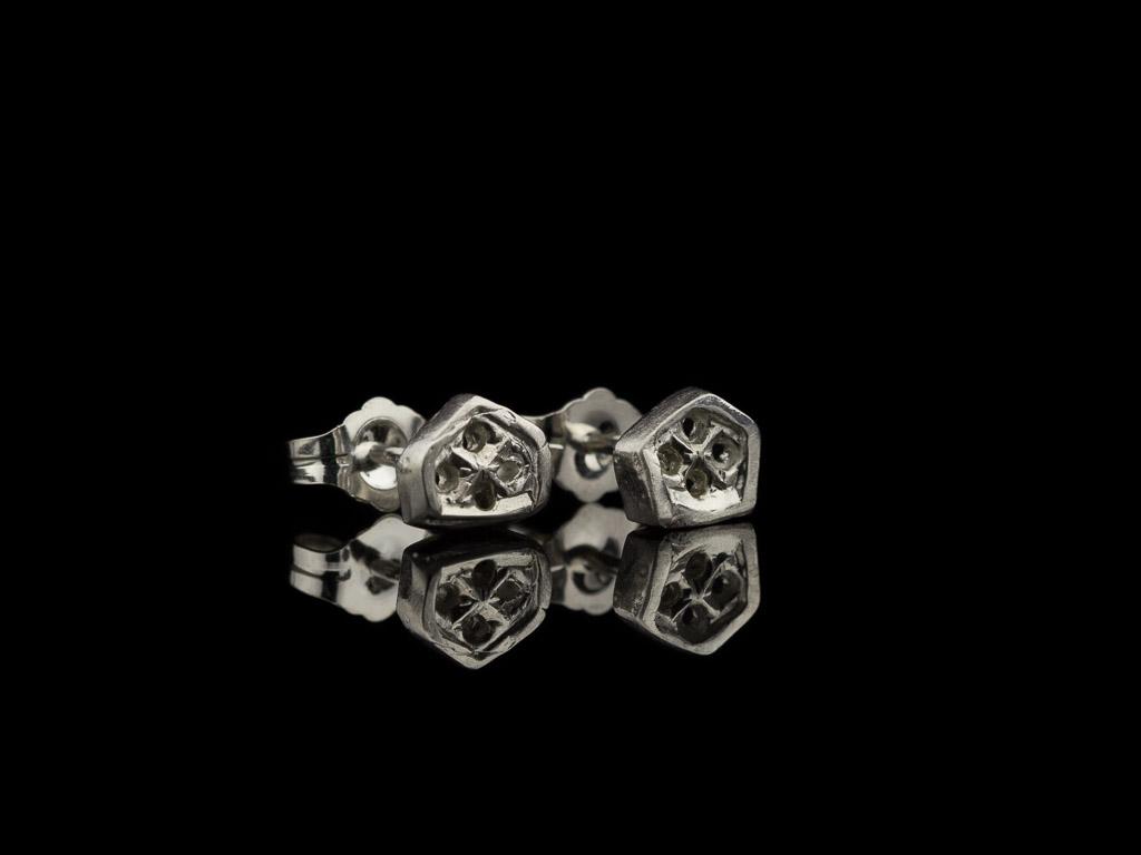 LITTLE HONEYCOMBS   Ear studs in Sterling Silver