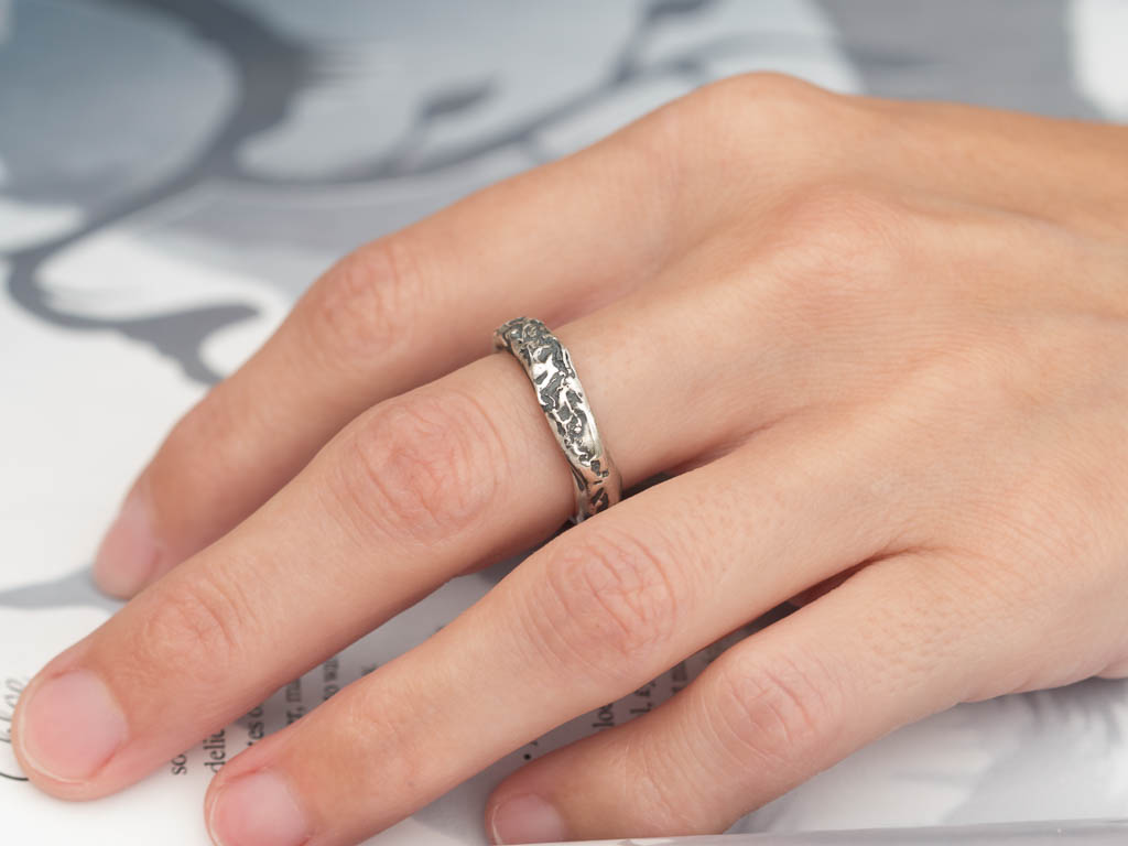 MOONSCAPE | Sterling Silver ring with crater structure (Sold out)