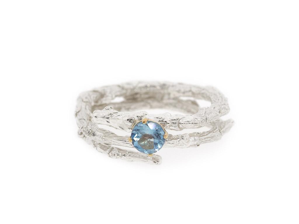 ring aquamarin wei gold 18 karat blau zweig massiv zweigring. Black Bedroom Furniture Sets. Home Design Ideas