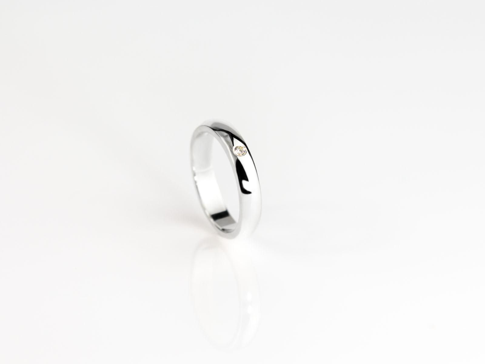 diamant im ring eleganter 925er silberring mit facettiertem diamanten made to order. Black Bedroom Furniture Sets. Home Design Ideas