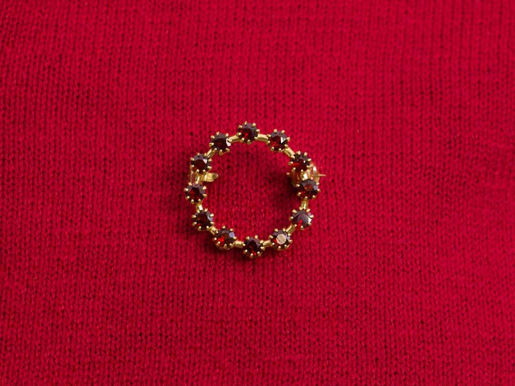 Garnet Brooch 12 Supreme Stones Set In Solid 9ct Gold