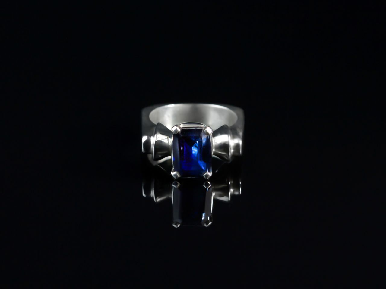 dark blue stately sapphire sterling silver ring